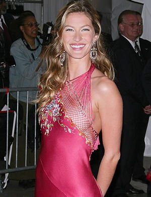 Famous Brazilian Model Gisele Bundchen Latest Stills